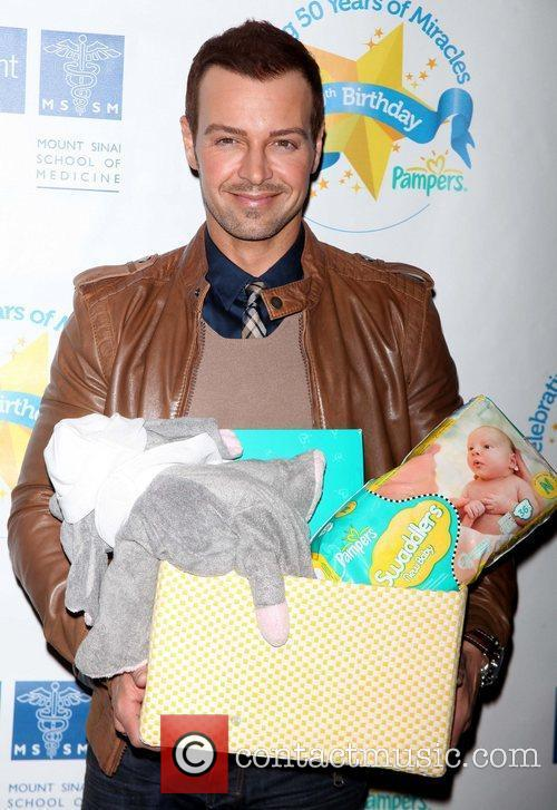 Joey Lawrence Pampers partners with celebrity parents to...