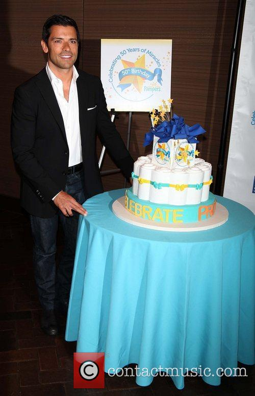 Mark Consuelos Pampers partners with celebrity parents to...