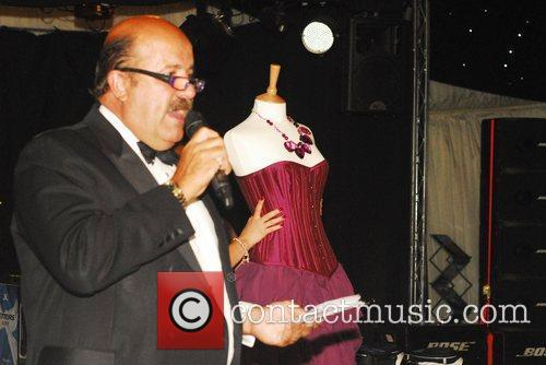 Willie Thorne auctions the Gillian Wesley designer dress....