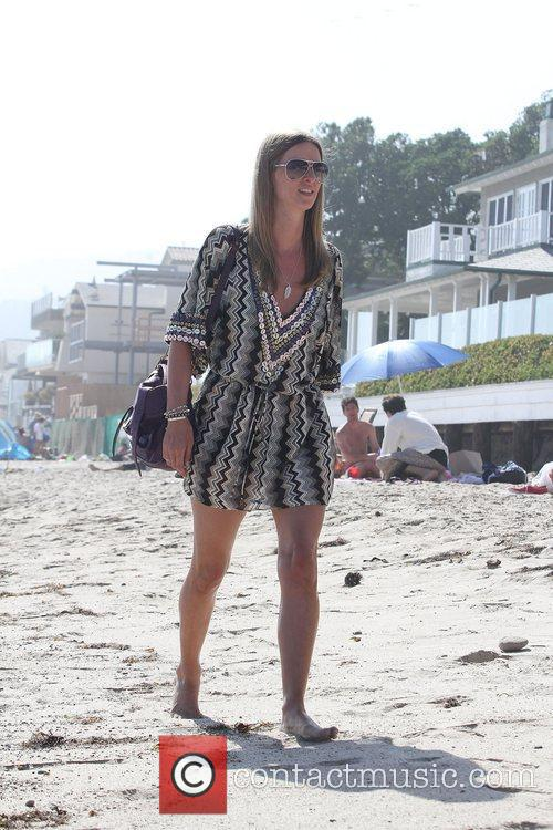 Nicky Hilton  arriving to hang out with...