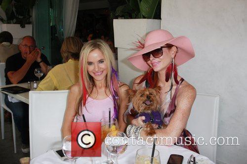 Paula Labaredas and Phoebe Price 5