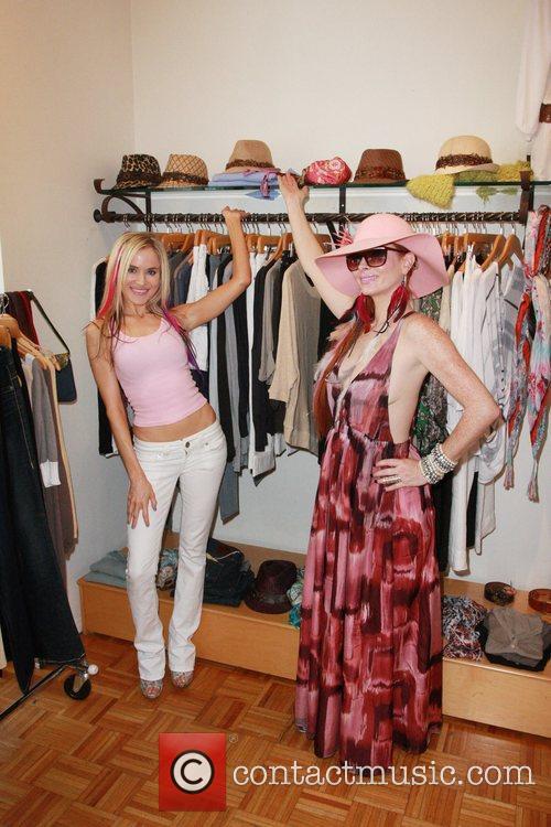 Paula Labaredas and Phoebe Price 8