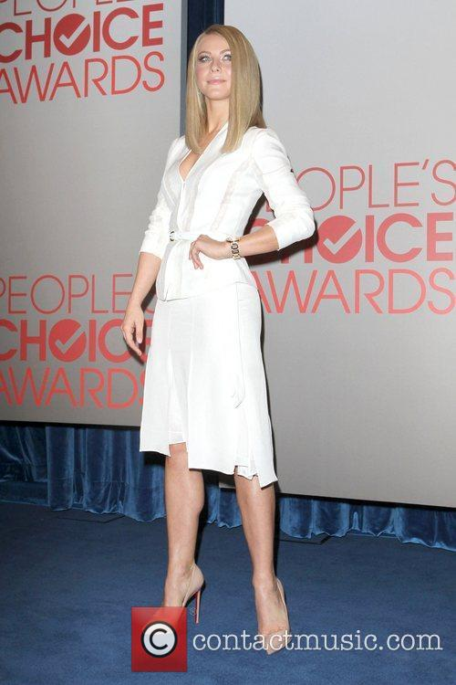 julianne hough peoples choice awards 2012 nominations press 5752473