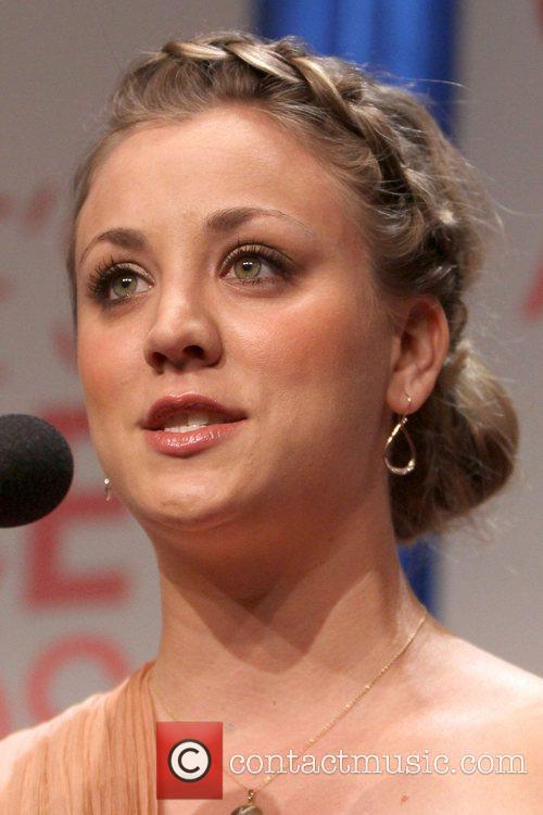 kaley cuoco peoples choice awards 2012 nominations 5752482