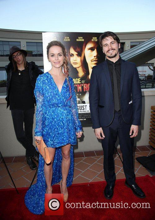 Taryn Manning and Jason Ritter 8