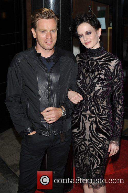 Ewan Mcgregor and Eva Green 5