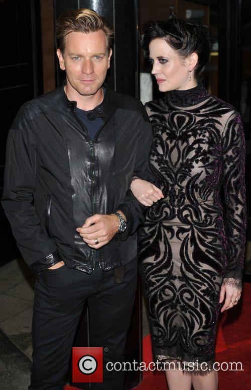 Ewan Mcgregor and Eva Green 6