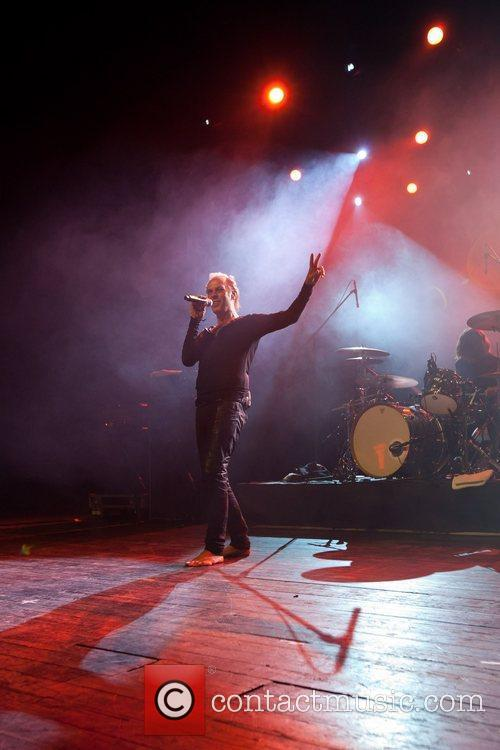Peter Murphy and Coliseu Dos Recreios 11
