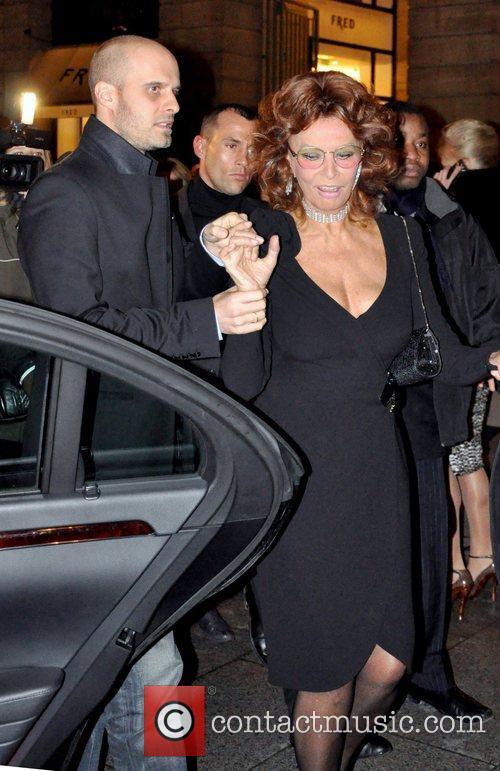 Sophia Loren and Giorgio Armani 4