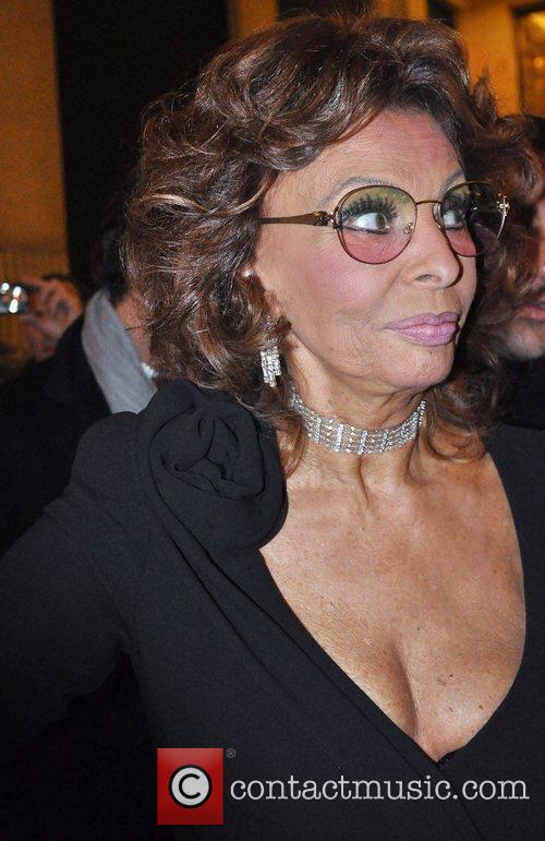 Sophia Loren and Giorgio Armani 3