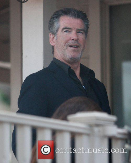 Pierce Brosnan having lunch at Le Pain in...