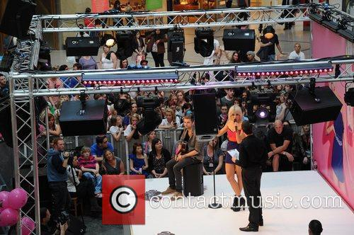 Atmosphere - Fans Pixie Lott performs after she...