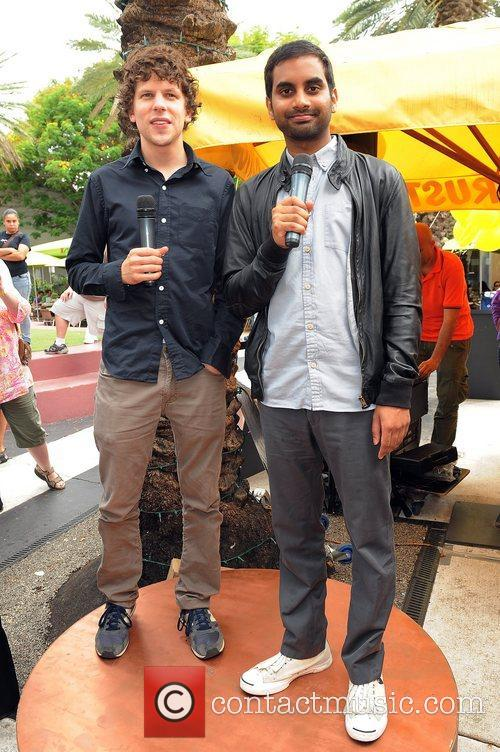 Jesse Eisenberg and Aziz Ansari 4