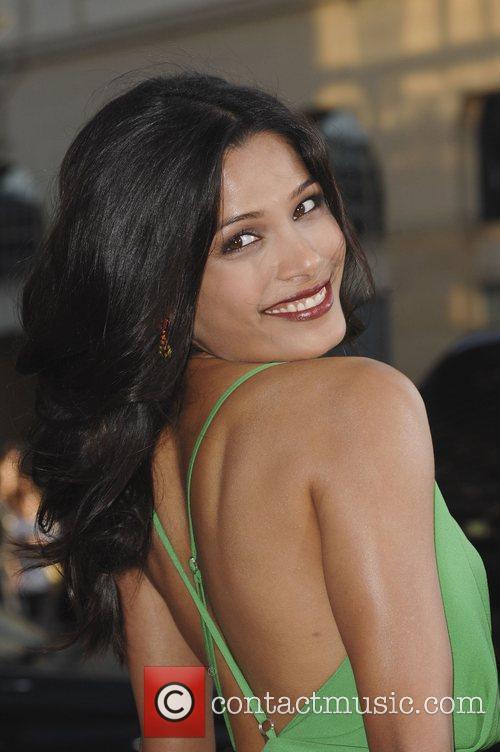 Freida Pinto 8