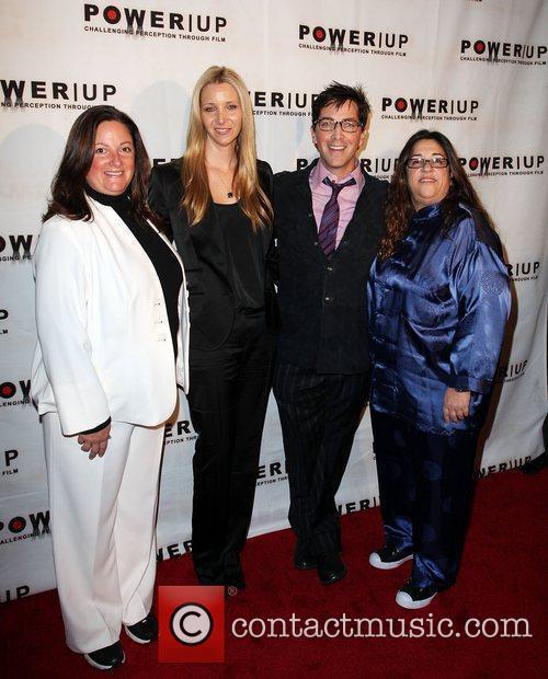 Lisa Kudrow and Dan Bucatinsky 9
