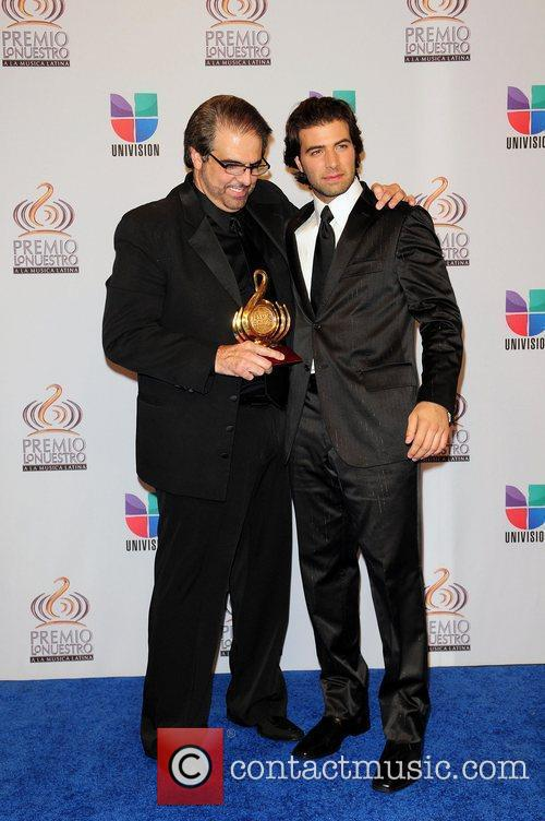 Jencarlos Canela With His Father 1