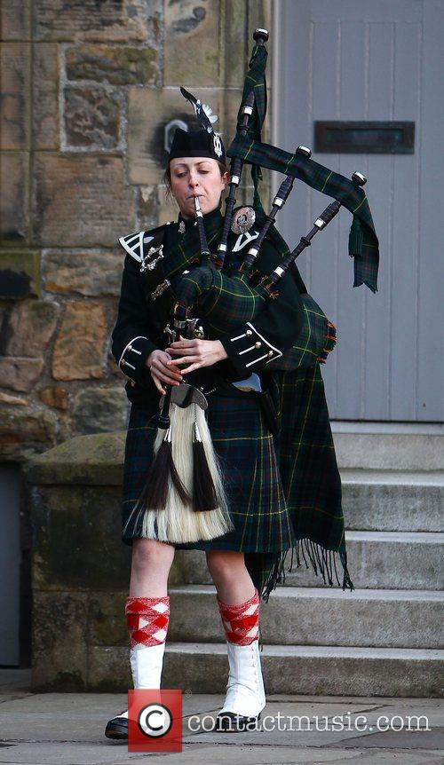 Bagpipes, Prince William and Kate Middleton 2
