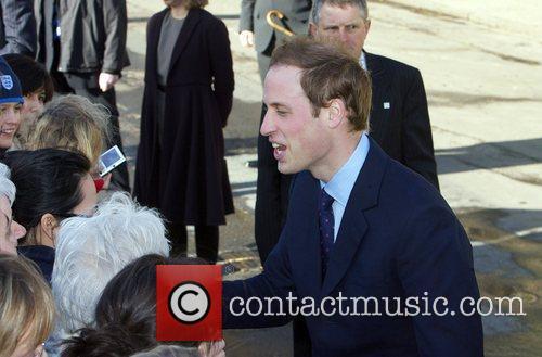 Prince William returns to St. Andrews university to...