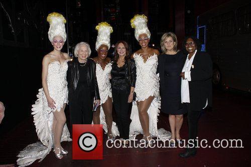 Liz Smith, Anastacia, Cynthia Mcfadden, Marlo Thomas and Whoopi Goldberg 1