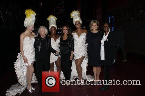 Ashley Spencer, Liz Smith, Anastacia McCleskey, Marlo Thomas,...