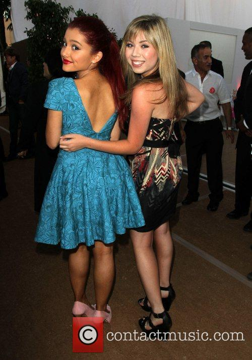 Picture - Ariana Grande and Jennette McCurdy