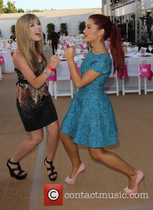 Jennette Mccurdy and Ariana Grande 3