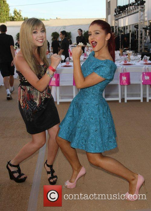 Jennette Mccurdy and Ariana Grande 1