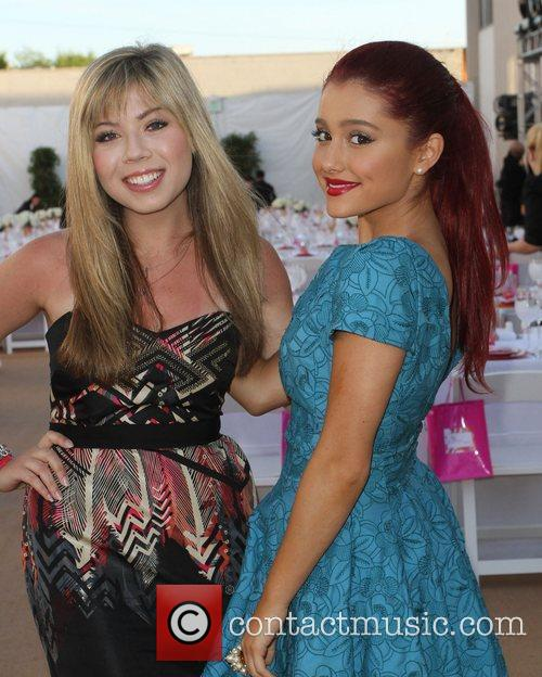 Jennette Mccurdy and Ariana Grande 4