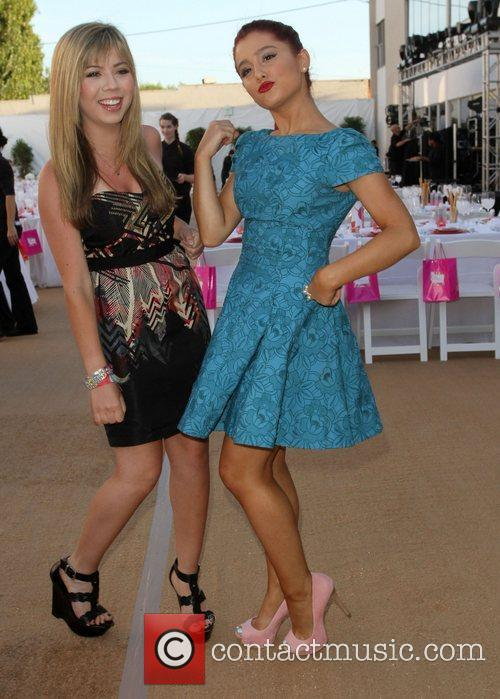 Jennette Mccurdy and Ariana Grande 2