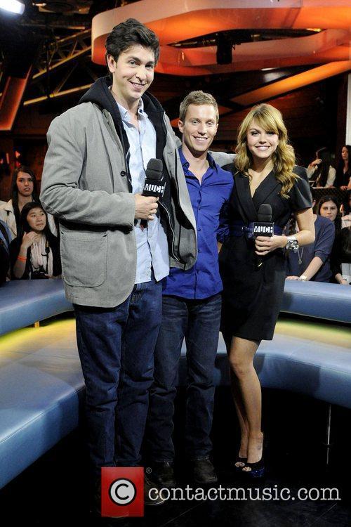 Nicholas Braun, Aimee Teegarden and Jonathan Keltz 3