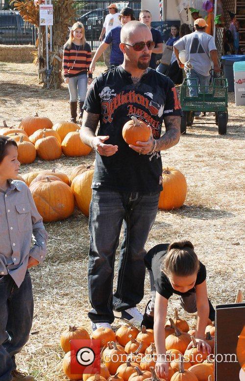 David Dossett and his family visit Mr. Bones...