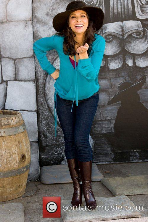 Constance Marie 15