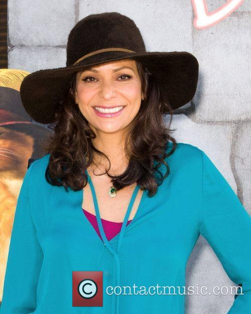 Constance Marie 4