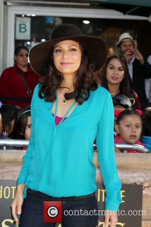 Constance Marie 19