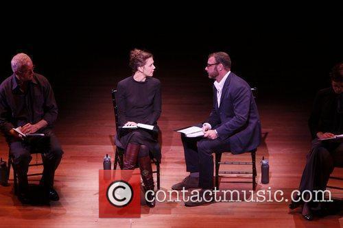 Maggie Gyllenhaal and Liev Schreiber 4