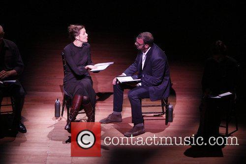 Maggie Gyllenhaal and Liev Schreiber 1