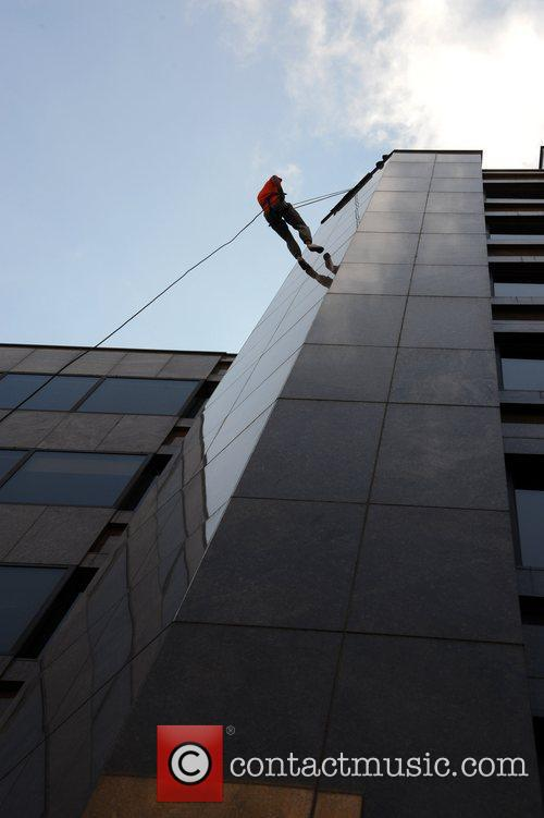Abseiler Apprentice stars join city workers in 90ft...