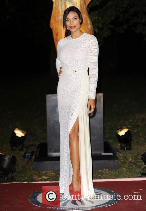 Rosario Dawson, Christian Louboutin and Hampton Court Palace 11