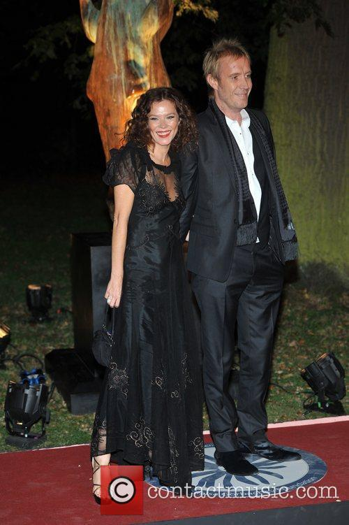Anna Friel, Rhys Ifans and Hampton Court Palace 10