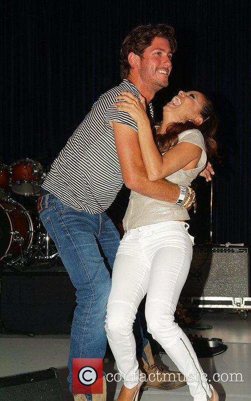 Eva Longoria received a kiss from polo champion...
