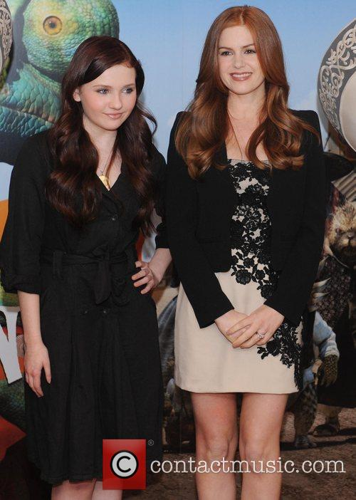 Abigail Breslin and Isla Fisher 2