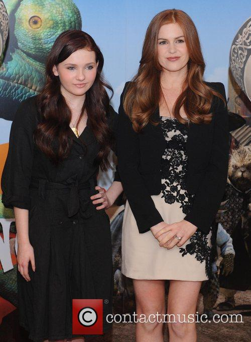 Abigail Breslin and Isla Fisher 4
