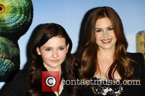 Abigail Breslin and Isla Fisher 1