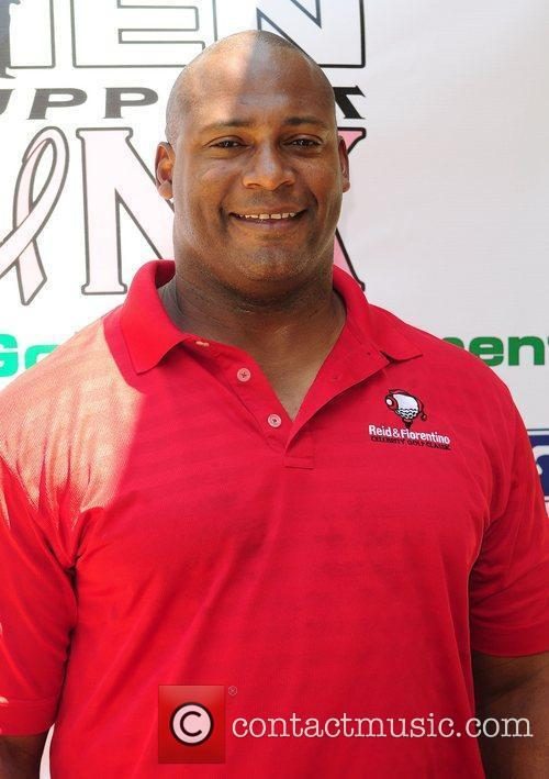 Former NFL player Jeff Cross Real Men Support...