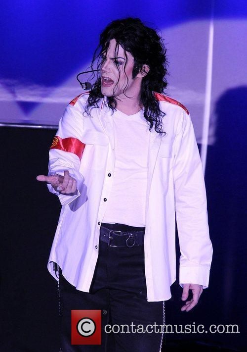Michael Jackson performing live