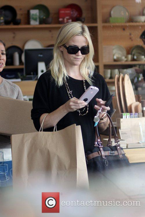Reese Witherspoon out shopping in West Hollywood Los...