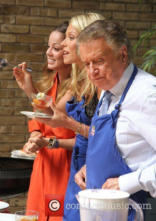 Kelly Ripa and Regis Philbin 6