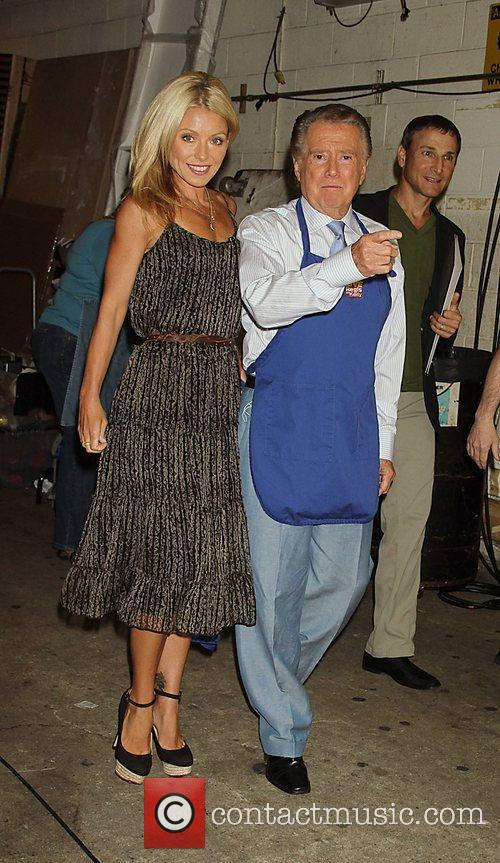 Kelly Ripa and Regis Philbin 4