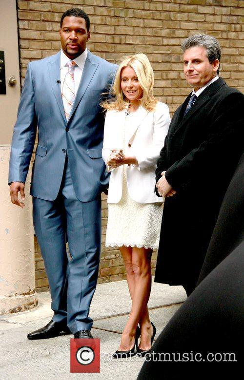 Alan Taylor, Kelly Ripa and Michael Strahan 1
