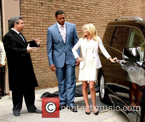 Alan Taylor, Kelly Ripa and Michael Strahan 6
